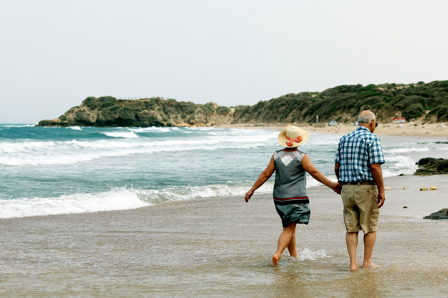 If you are going to retire in Canada and you have a Defined Contribution Pension in the UK, life might be better if you transfer the funds to Canada.